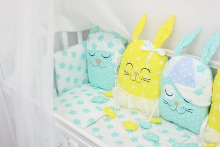 Комплект постельного белья  Друзья, цвет: салатовый/желтый наволочка 40 х 60 см By Twinz