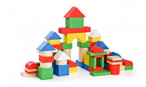 Деревянная игрушка  Конструктор (65 деталей) Цветной Томик