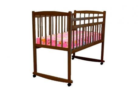 Детская кроватка  Беби-2 опускающееся боковое ограждение качалка Массив