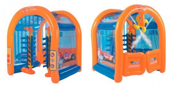 Надувной игровой центр Автомойка Hot Wheels с брызгалкой Bestway