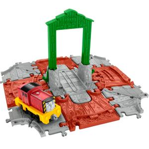 Наборы игрушечных железных дорог, локомотивы, вагоны Mattel Thomas & Friends